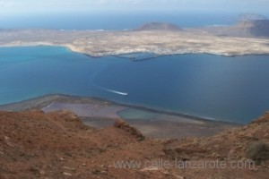 Mirador del río - the view across to La Graciosa with the salt flats down below