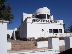 Das Luftfahrtmuseum am Flughafen von Arrecife, links ist der original Passagierausgang zum Rollfeld