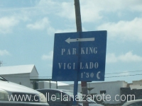 Parking vigilado - a sign outside of Teguise on a Sunday