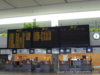 Check-in Schalter im Arrecife Flughafen